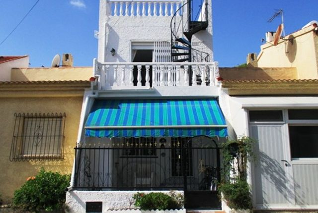 Terraced house for sale in Urbanización La Marina, Costa Blanca South, Costa Blanca, Valencia, Spain