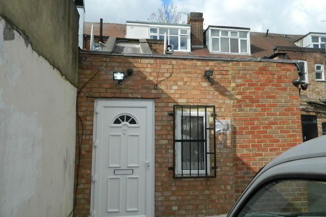 Photo 15 of Chingford Mount Road, London E4