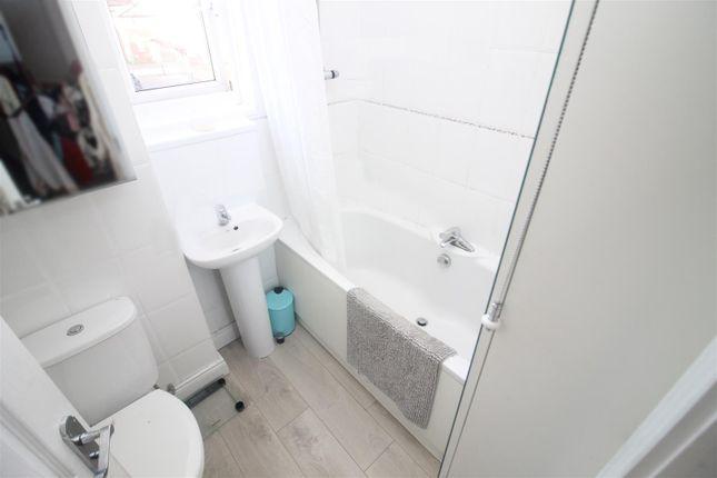 Bathroom of Kepwick, Two Mile Ash, Milton Keynes MK8