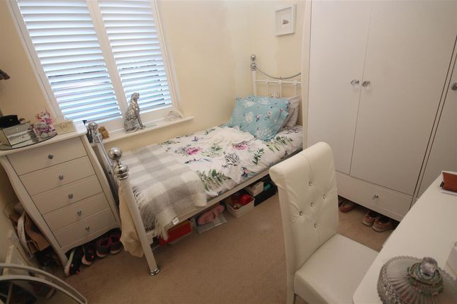 Bedroom Two of Spinnaker Close, Clacton-On-Sea CO15