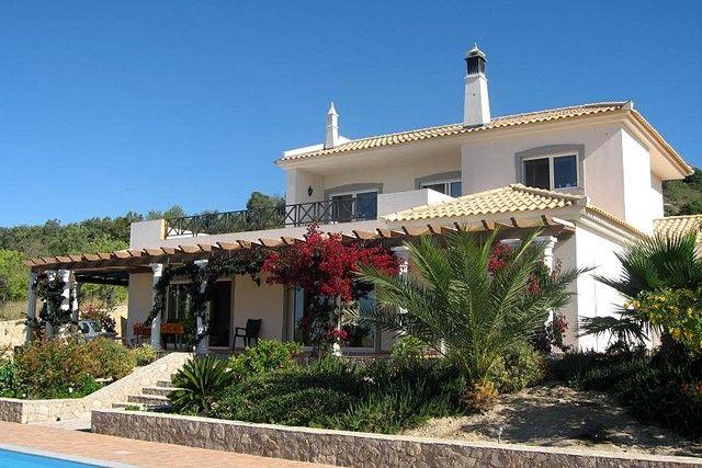 3 bed villa for sale in Portugal, Algarve, Sta. Barbara De Nexe