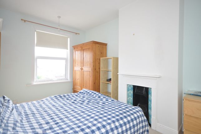 Thumbnail Terraced house to rent in Winter Road, Southsea