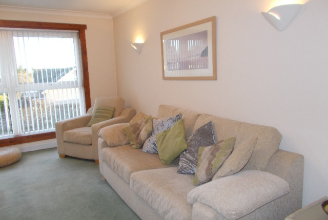 Thumbnail Flat to rent in Hamilton Street, Broughty Ferry, Dundee, 2Np