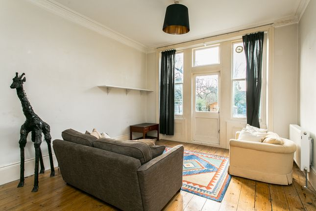 Thumbnail Flat to rent in Pinfold Road, London
