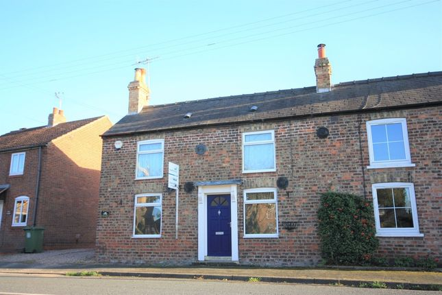 Thumbnail Cottage to rent in Main Street, Barmby Moor, York