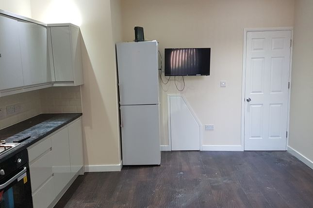 Thumbnail Shared accommodation to rent in Bolingbroke Road Room 8, Coventry