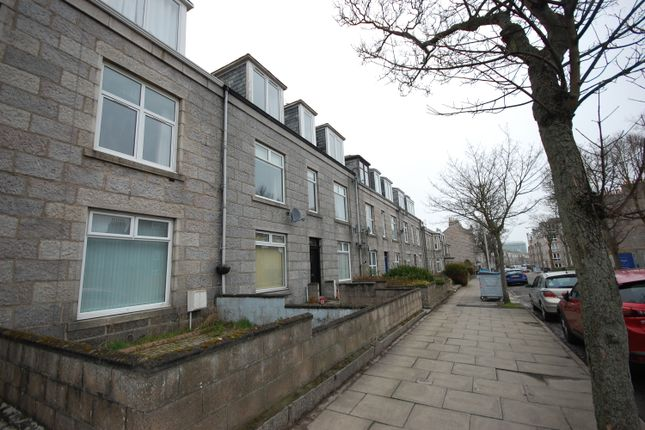 Thumbnail Flat to rent in Union Grove, Aberdeen, Top Floor Right