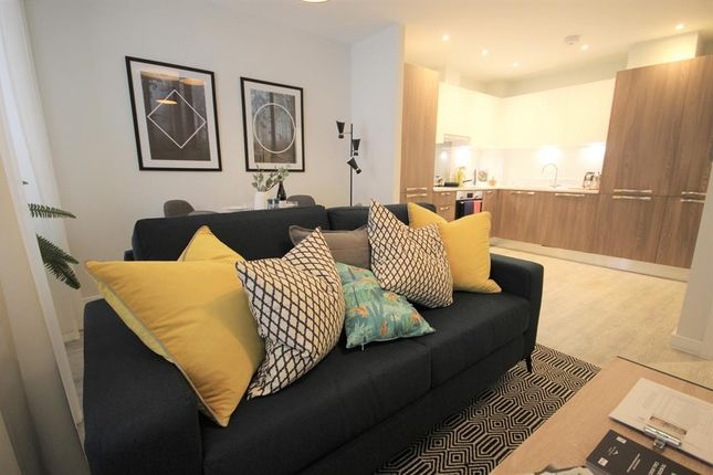 Thumbnail Flat for sale in Wood Street, East Grinstead