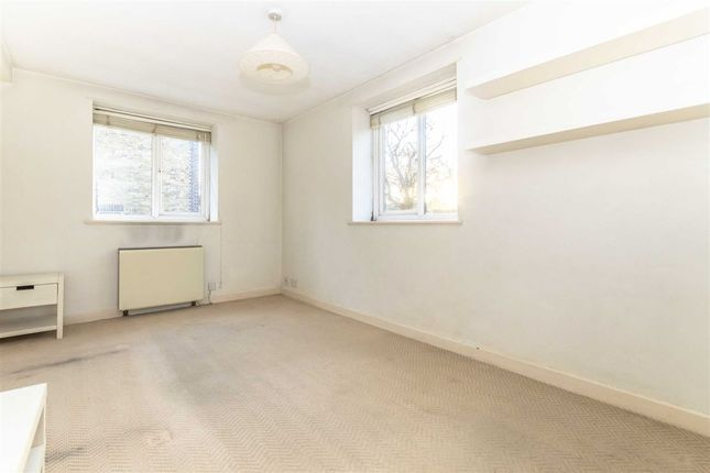 Thumbnail Property to rent in East Acton Lane, London
