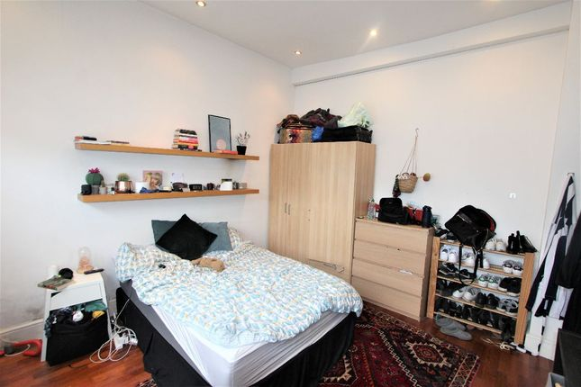 Thumbnail Terraced house to rent in Williamson Street, London