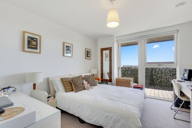 Thumbnail Flat for sale in Bessemer Place, Greenwich, London