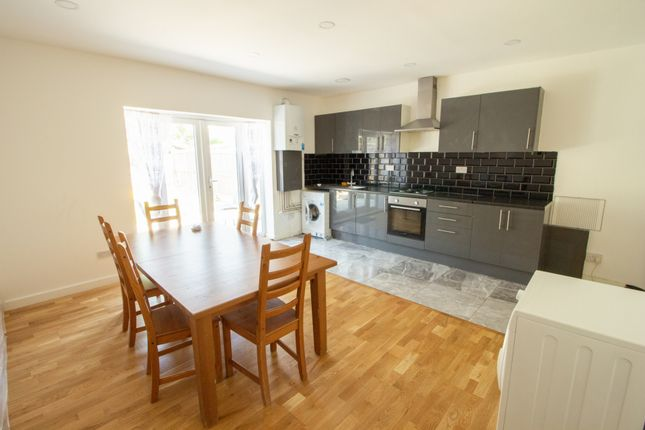 Thumbnail Flat to rent in Saxon Road, Wood Green