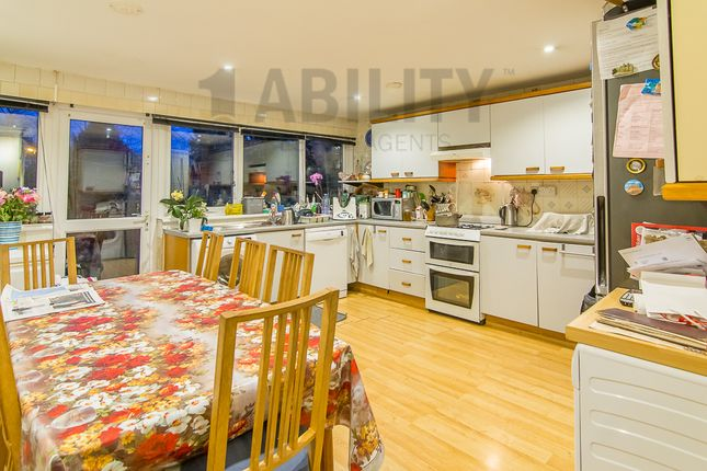 Thumbnail Property for sale in Fyfield Road, London