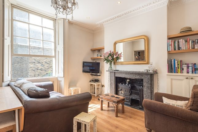 2 bed flat to rent in St. Peter's Street, London