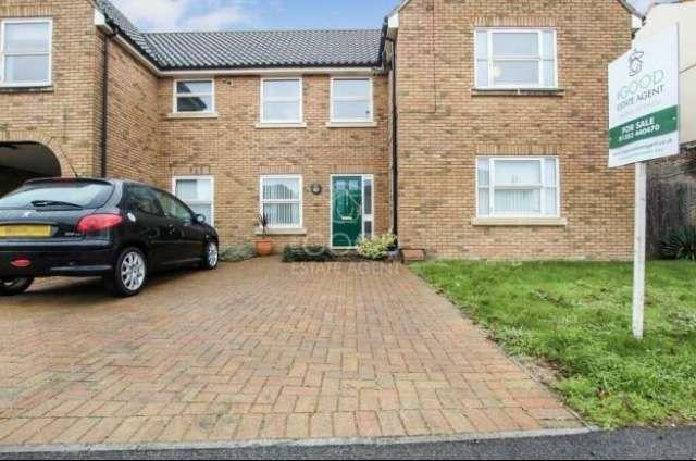 Thumbnail Flat to rent in Walnut Courtyard, Soham