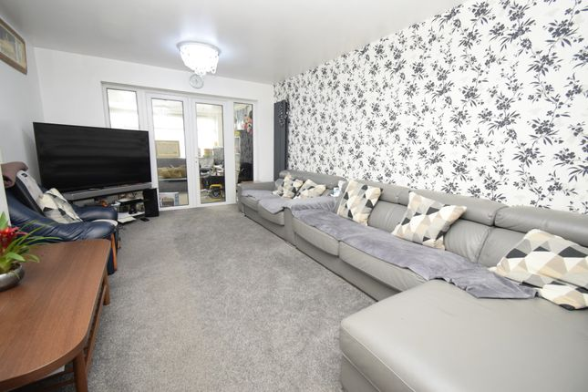 Thumbnail Semi-detached house for sale in Briar Meads, Oadby, Leicester