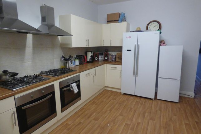 Thumbnail Terraced house to rent in Oystermouth Road, Swansea, Swansea