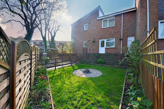 Thumbnail Flat for sale in Trostrey, Hollybush, Cwmbran