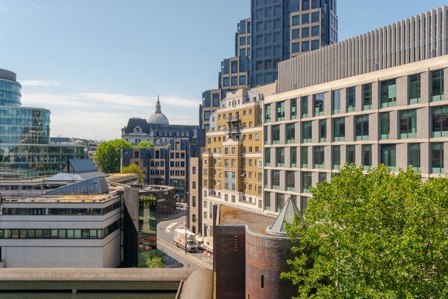 Thumbnail Flat for sale in Thomas More House, Barbican