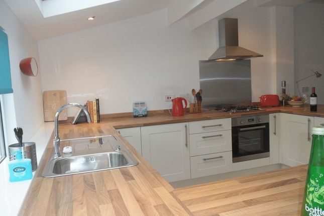 Thumbnail Shared accommodation to rent in Coronation Road, Southville, Bristol