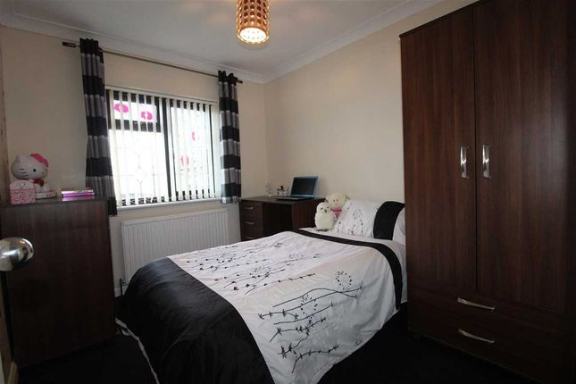 Bedroom Two of Metz Avenue, Canvey Island SS8