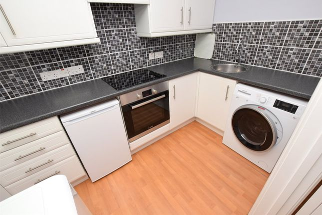 1 bed flat to rent in Rushdon Court, Romford RM1