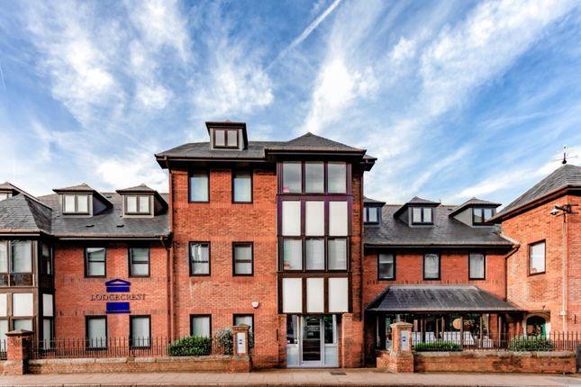 2 bed flat to rent in Jubilee Terrace, Dorking RH4