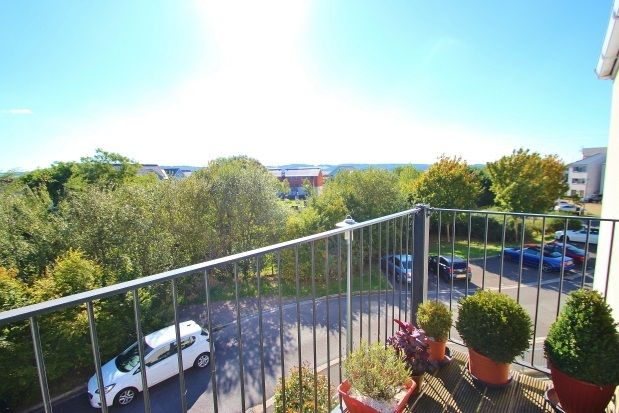 2 bed flat to rent in Pennant Place, Portishead, Bristol