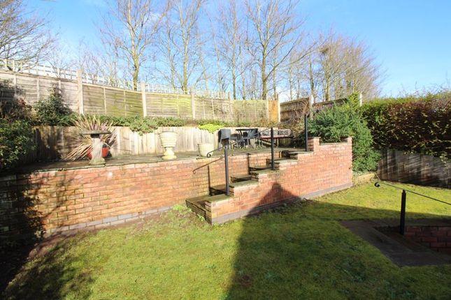 Garden of Hewell Close, Kingswinford DY6