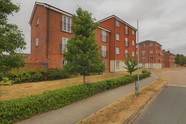 Thumbnail Flat to rent in Cunningham Avenue, Hatfield, Hertfordshire