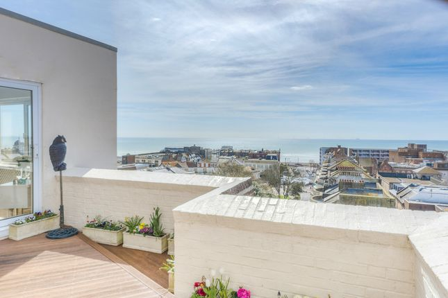 Thumbnail Flat for sale in Shelley Road, Worthing