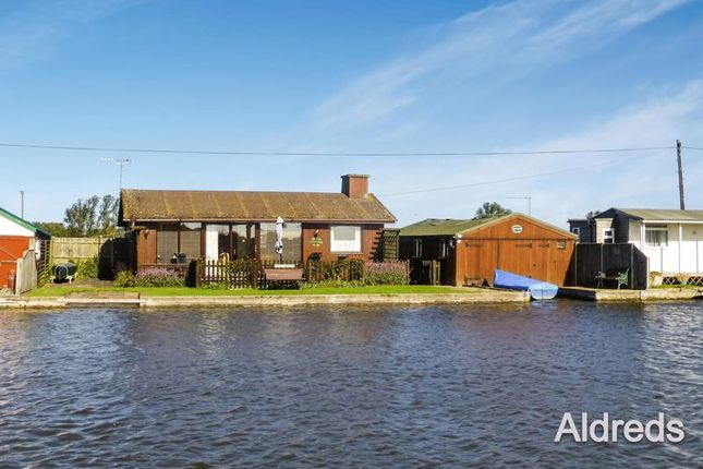 Thumbnail Detached house for sale in North East Riverbank, Potter Heigham, Great Yarmouth