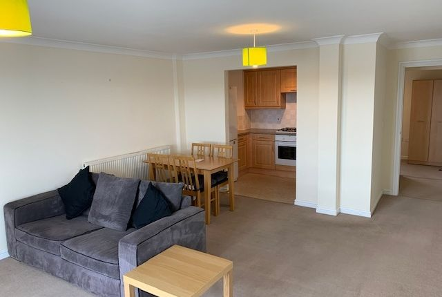 Thumbnail Flat to rent in Y Rhodfa, Barry