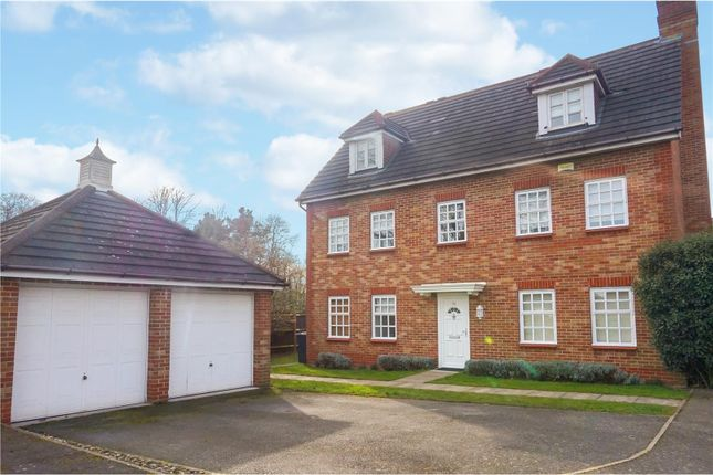 Thumbnail Detached house for sale in Darenth Park Avenue, Dartford