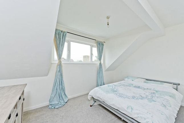 Photo 11 of Ruskin Way, Colliers Wood, London SW19