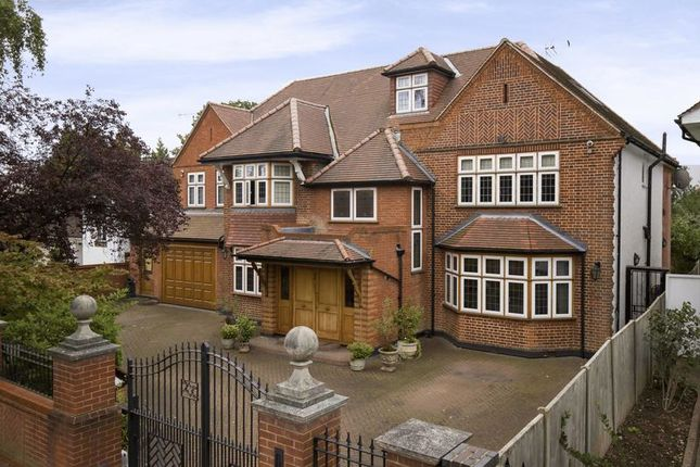 Thumbnail Detached house for sale in Broad Walk, Winchmore Hill