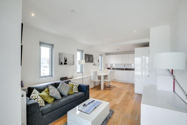 Thumbnail Flat to rent in Love Lane, London