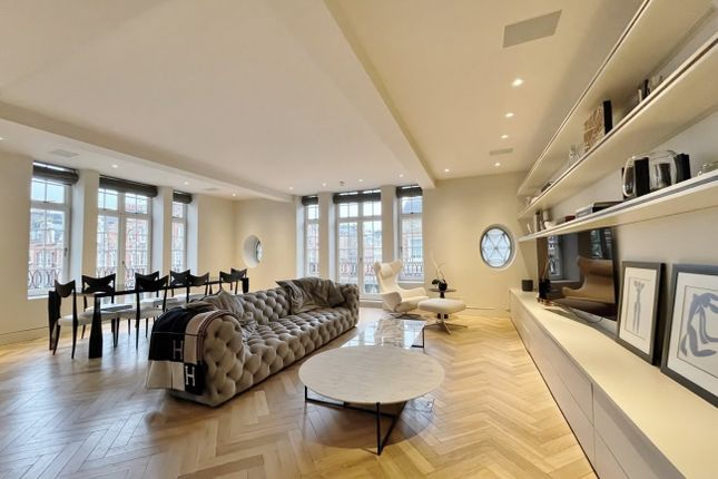 Thumbnail Flat to rent in Langham Street, London
