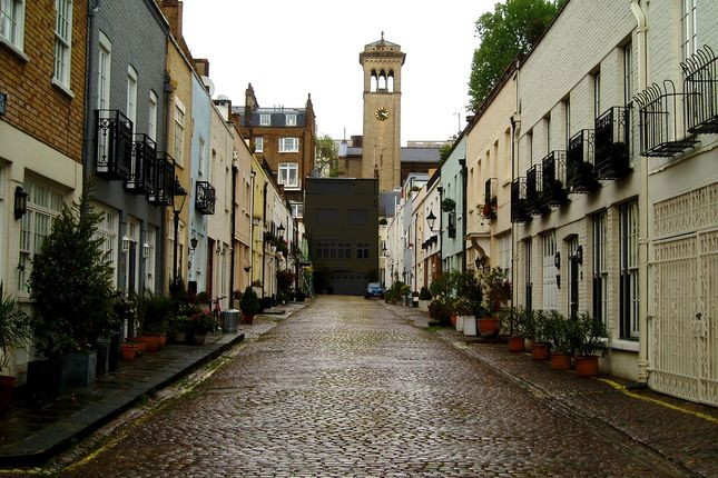 4 bed mews house for sale in Ennismore Mews, Knightsbridge