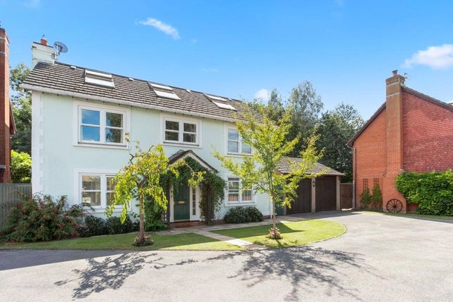 Thumbnail Country house for sale in Yew Tree Close, Bramley Green