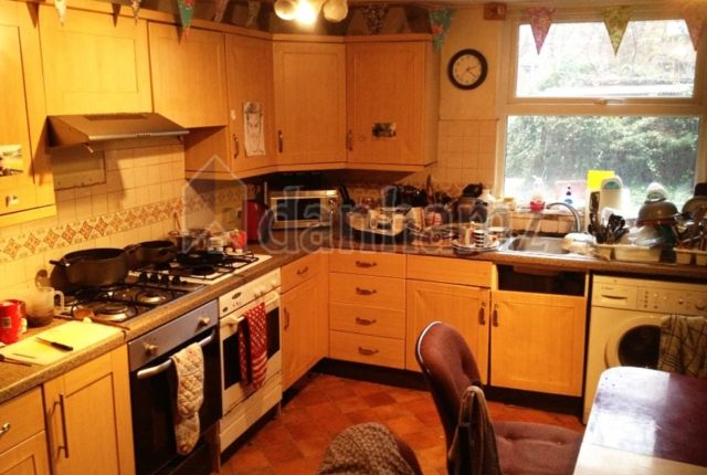Thumbnail Property to rent in Hyde Park Road, Hyde Park, Leeds