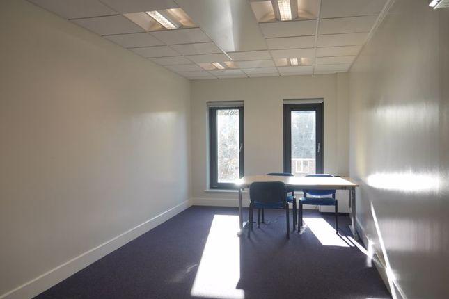 Photo 3 of Room 13, The Beacon, Westgate Road, Fenham NE4
