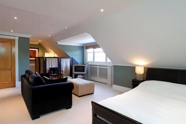 1 bed detached house to rent in Kingston Hill, Kingston Upon Thames