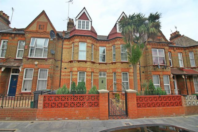 Thumbnail Property for sale in Gladstone Avenue, London