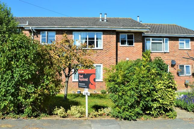 Thumbnail 2 bed flat for sale in The Hollows, Newport