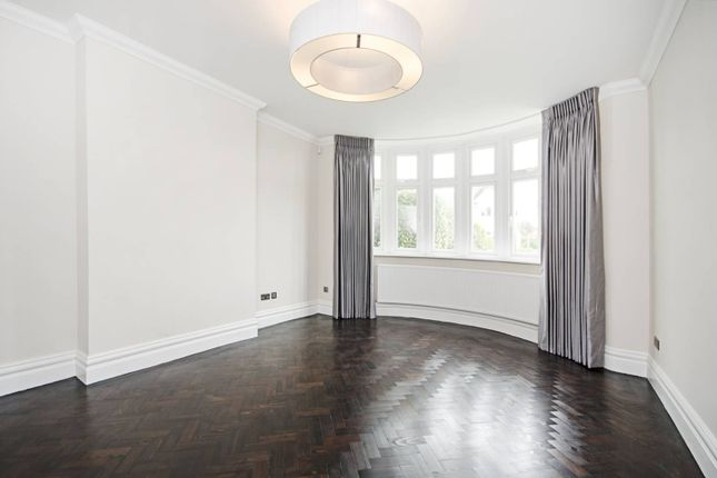Thumbnail Property to rent in Hodford Road, Golders Green