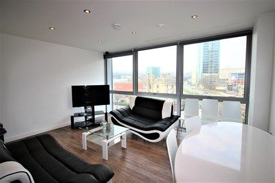 Thumbnail Flat to rent in Lonodn Road, Sheffield