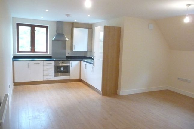 Thumbnail Flat to rent in Abberley Wood, Great Shelford, Cambridge