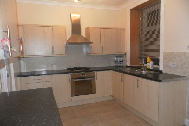 Thumbnail Property to rent in Boothtown Road, Boothtown, Halifax