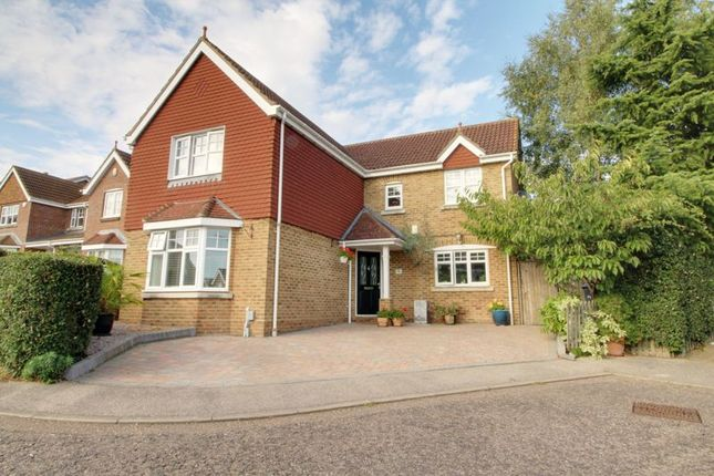 Thumbnail Detached house for sale in Old Grove Close, Cheshunt, Waltham Cross